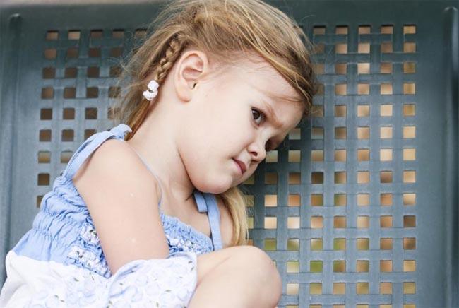 Болит живот у двух летней девочки